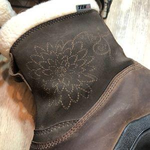 L. L. Bean Promaloft Waterproof Leather Boots 9W